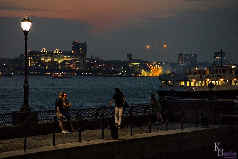 DSC_2947 fireworks on the Hudson