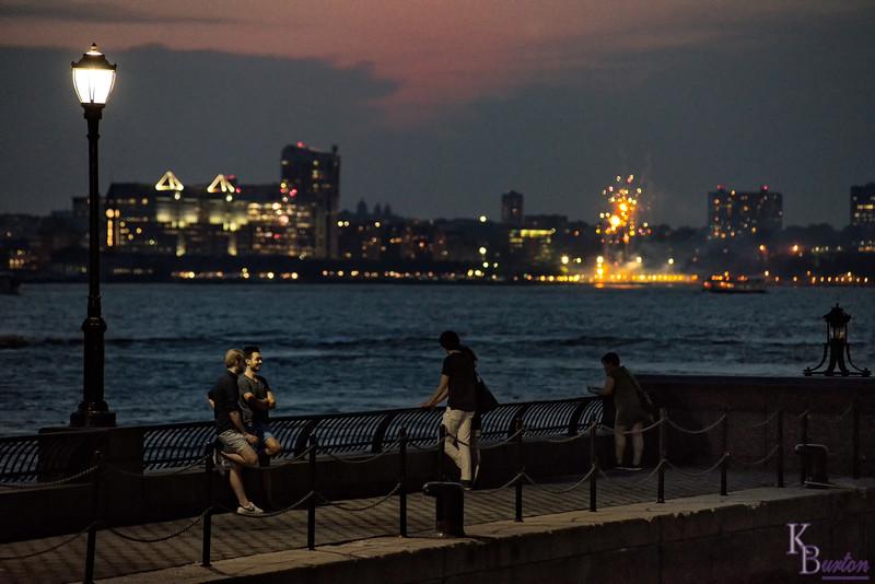 DSC_2950 fireworks on the Hudson
