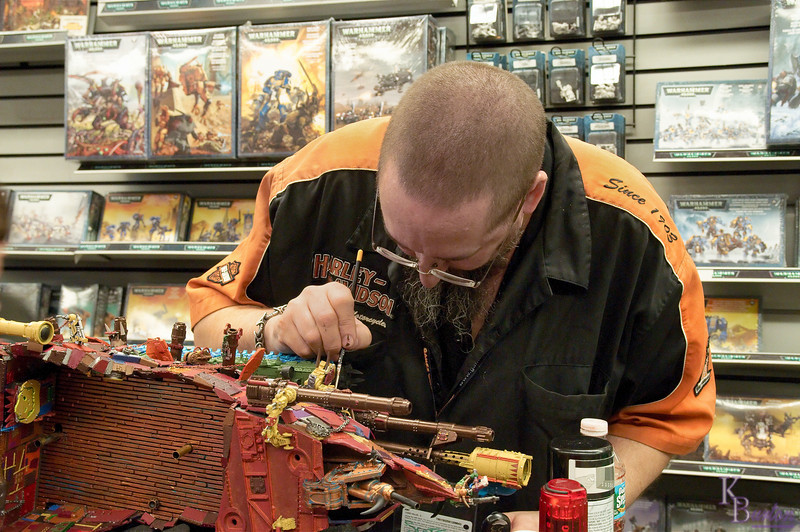 Here I am again back at the Games workshop on 8th street. My best friend Scott told me he was still painting that large imaginative model of his, and from our phone conversations I was sure he was pretty much down to painting the fine details on it. This would allow me to get some closeup shots of him painting it which I still hadn't been able to do during my earlier trip here last month.
