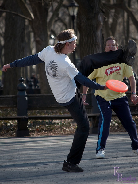 DSC_2133 frisbee fun