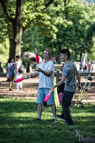 DSC_4209 jugglers