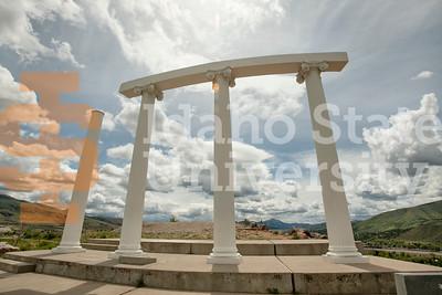 200513-pillars-1