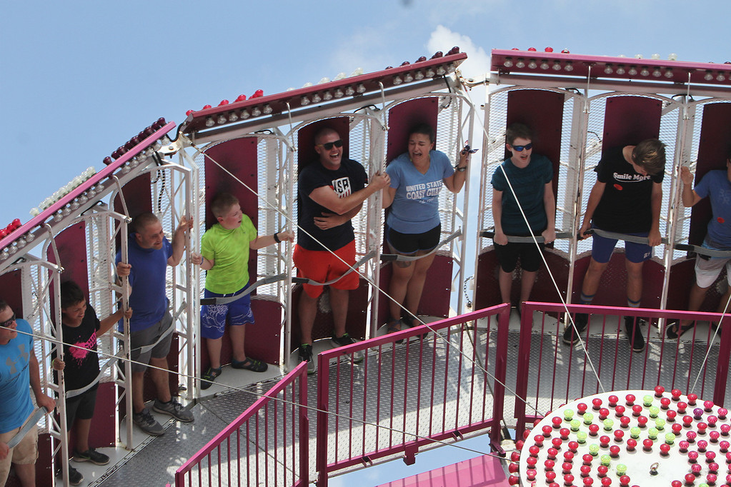 . Centrifugal force ride at Canobie Lake Park in Salem, N.H. (SUN/Julia Malakie)