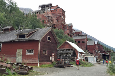 Kennicott Mine tour - The classic view of the Kennicott Processing Plant