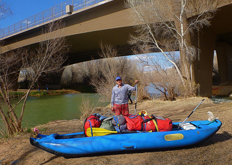 We launch at White Bridge in the small town of Camp Verde at 3:30 in the afternoon. <br /> Previously, we left a car at Ocotillo Boat Ramp on Horseshoe Reservoir near Phoenix.