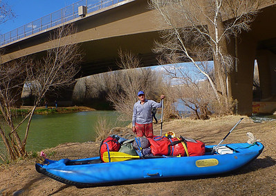 We launch at White Bridge in the small town of Camp Verde at 3:30 in the afternoon.  Previously, we left a car at Ocotillo Boat Ramp on Horseshoe Reservoir near Phoenix.