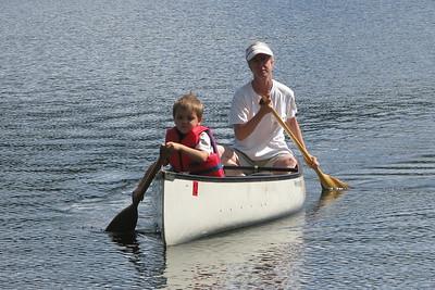 Cio & Veronica paddling