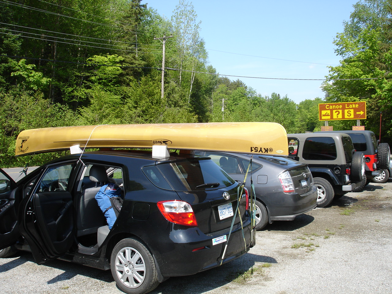 Rented a Swift Keewaydin 15 solo canoe. Picked it up at Oxtongue Lake to save a bit of money.