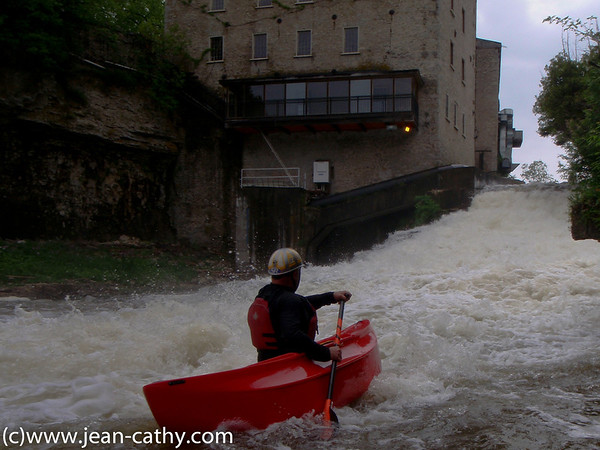 WWCC members paddle the Elora Gorge Photo by: Jean Lefebvre