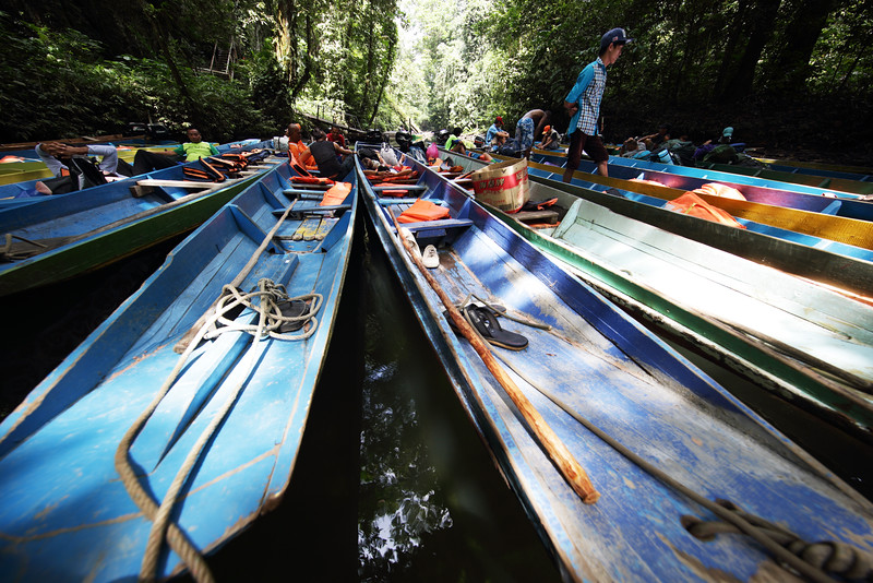 """longboats on the Clearwater River in Gunung Mulu National Park, Sarawak<br><span style=""""font-size:75%"""">©Yangchen Lin</span>"""