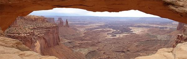 mesa arch view small.jpg