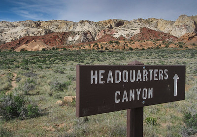 Our goals for the day were Headquarters and Surprise canyons, in the southern Part of  Capitol Reef National Park.  Even though they are pretty remote, we did see a few people.