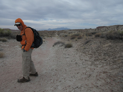 Still windy, but Roger is heading out the Curtis Bench trail from the vicinity of the campground, which will take us to a cut off down into Goblin Valley.
