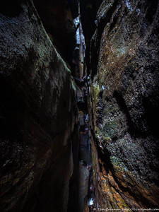 Looking up a really narrow side canyon - that we intend to descend!