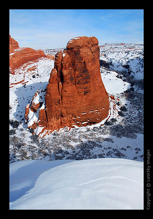 422 Arches - Canyon Monolith