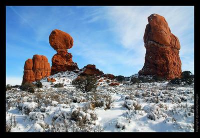 360 Arches - Balancing Rock
