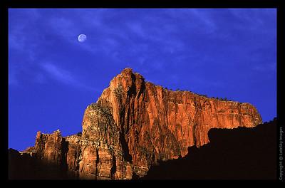 G07 Moonset Sunrise
