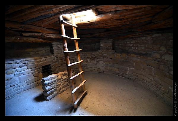 SW11_1136 Inside Spruce House Kiva