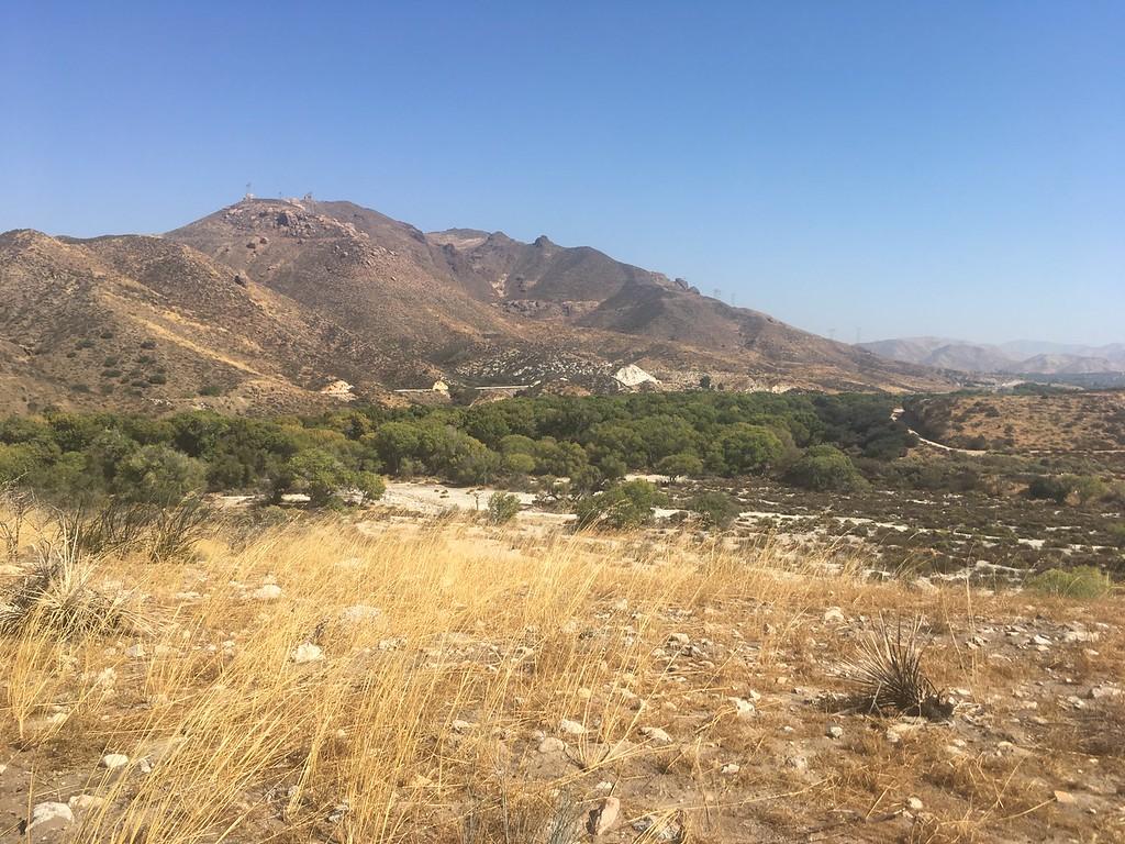 Mesa, Polsa Rosa, Dry Wash, Dry, Desert, Brush, Sand, Dirt, Mountains