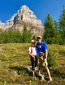 08/09/17: We couldn't get over the great weather we were having for this special hike. Pinnacle Mountain in the background.