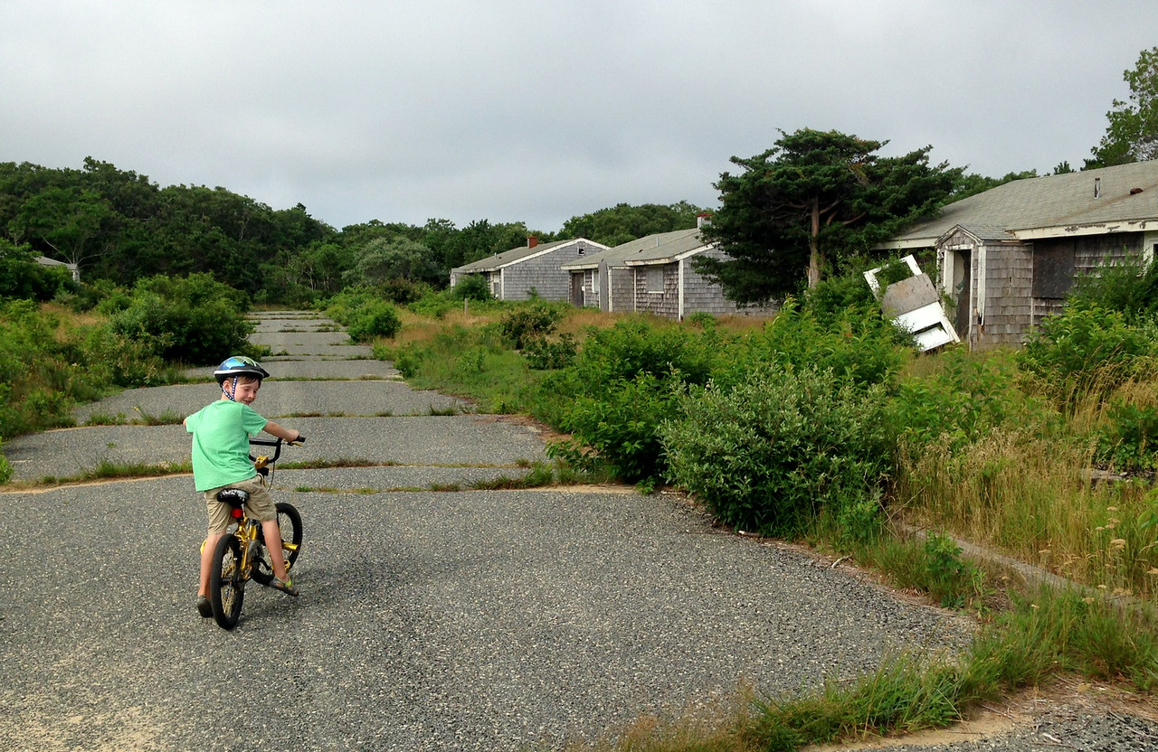 Eamon Riding In The Ghost Town