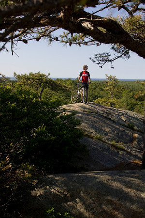 Coley Bryan at the top of Red Rocks in Gloucester. Photo by Mary Muckenhoupt
