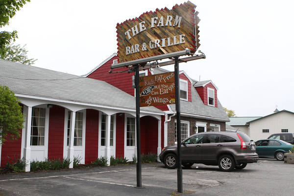 The Farm Bar & Grill in Essex hosts live music by local bands on Friday and Saturday nights. A stage area is set up in the dining room and tables moved aside to create space for a dance floor.<br /> Photo by David Le