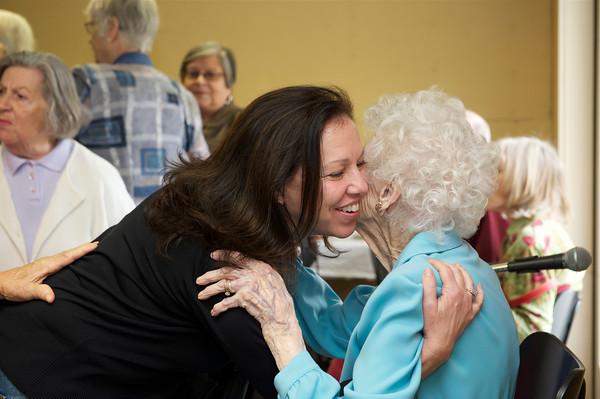 Karen Smith O'Neil (Barbara's niece) gives her a hug. Desi Smith Photo
