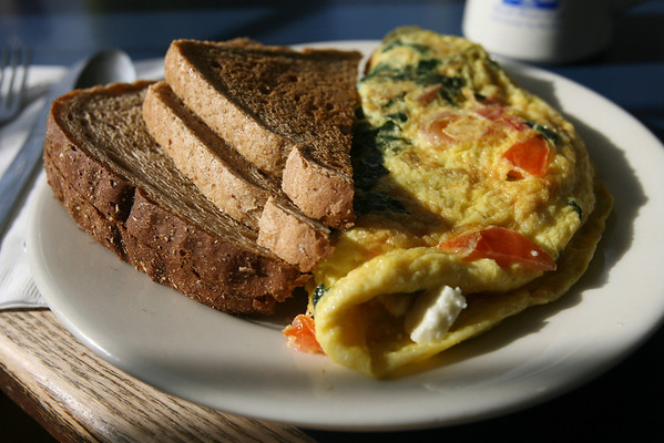 Manchester: Beach Street Cafe. Photo by Kate Glass/Cape Ann Magazine <br /> <br /> Tomato Spinach & Feta Omelet with Toast