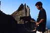Un homme et sa mule sur le chemin entre Corvo et Fontainhas. Ile de Santo Antao/Cap-Vert