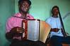 Sema Lopi et son fils Julio lors d'une séance de funana. Ile de Sao Tiago/Cap-Vert