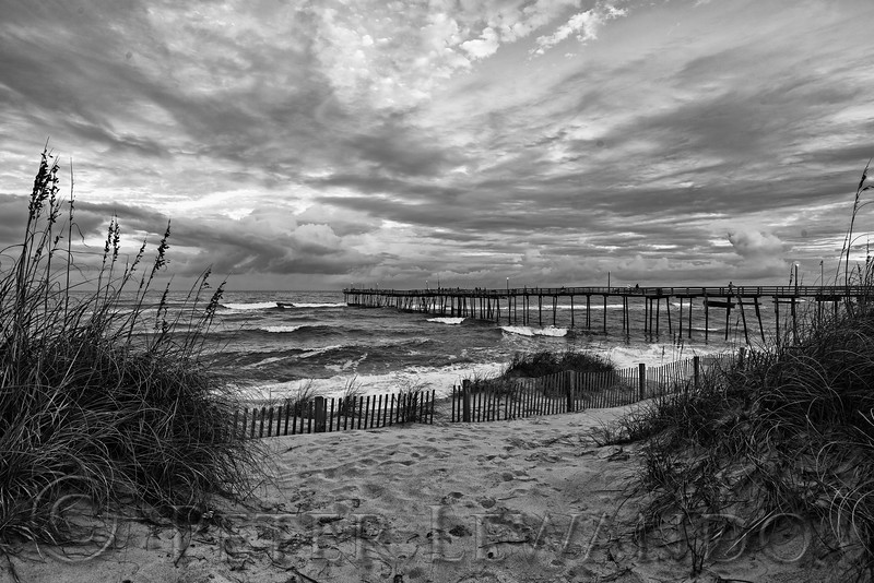 Avon Pier Black & White