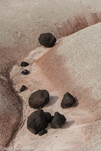 Lava boulders in the Bentonite Hills.