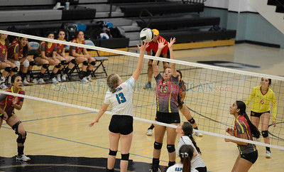 Española Valley vs Capital volleyball District 2-5A match played Wednesday, October 5, 2016 at Edward A. Ortiz Memorial Gymnasium, Capital. Clyde Mueller/The New Mexican
