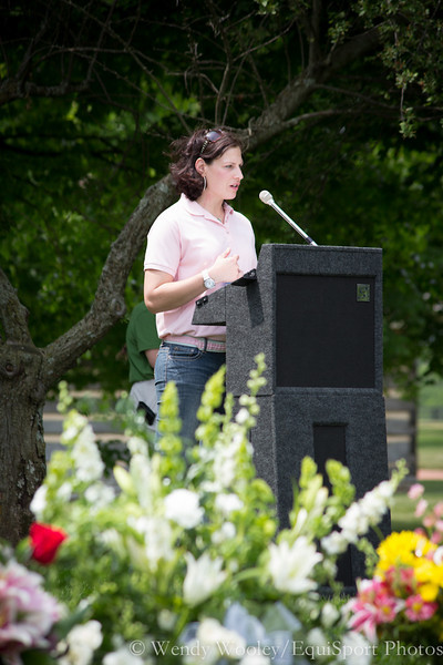 Jen Roytz speaking at the Dynaformer memorial