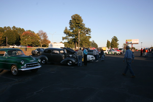 JR's Discount Outlet Cruise-In - Burlington, NC - 10/22/2011