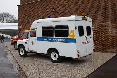 !972 - Land-Rover 109 Series III Ambulance