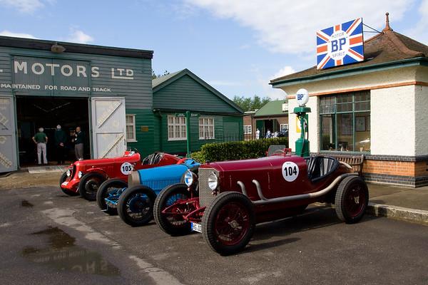 1923 - Mercedes 10-40 (104) / Bugatti Type 35 / 1930 - Avis 1250 (105)