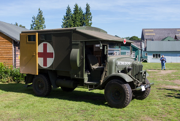 1938 - Morris Commercial CS11 F30 Ambulance