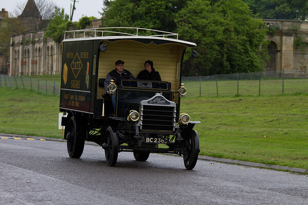 1913 - McCURD Box Van
