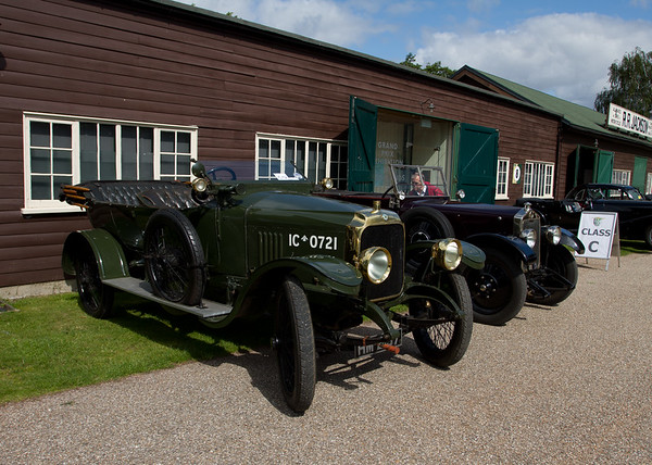 1918 - Vauxhall D Type Army Staff Car