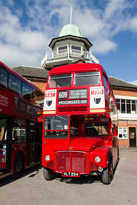 1960 AEC Routemaster Double-decker Bus - RM54