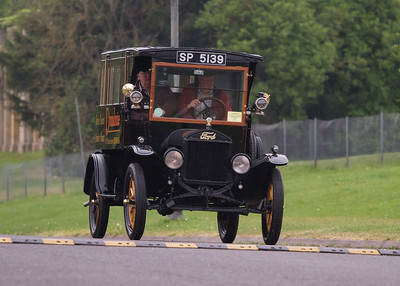 1920 - Ford Model T Hotel Transport