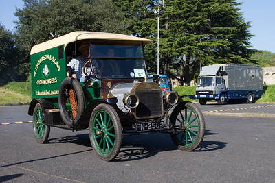 1915 - Ford Model T 7½ cwt Van
