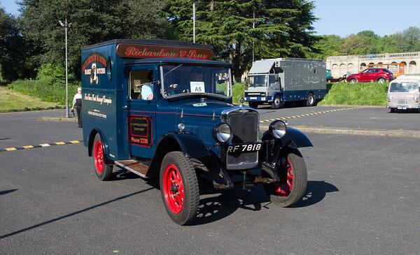 1930 - Morris Light Box Van