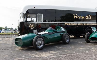 1955s Vanwall (Replica) / 1957 Leyland Royal Tiger Car Transporter