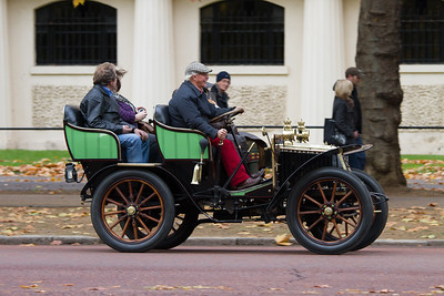 1902 - Renault 8hp Double Phaeton with Canopy Body
