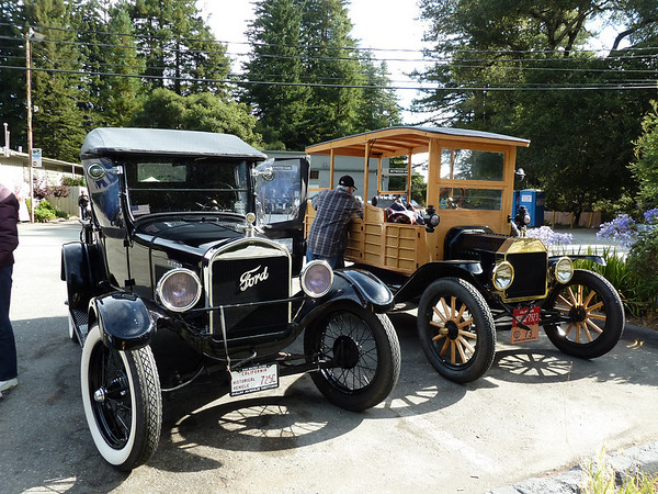 Model T's at Alice's in Woodside