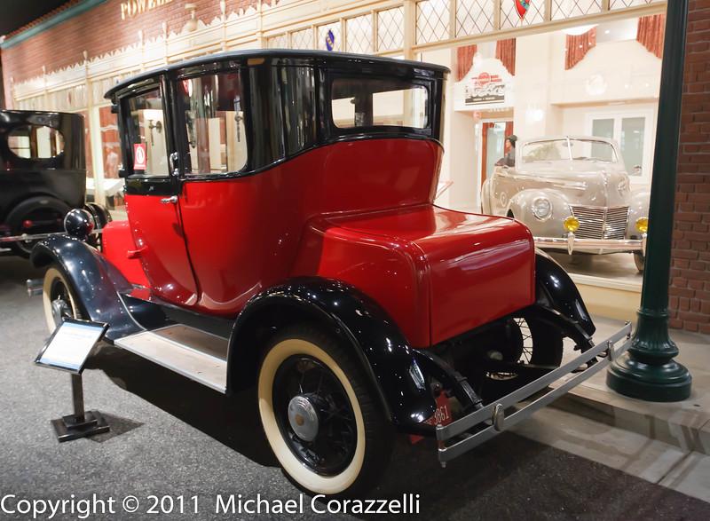 Petersen Auto Museum 1_11-037