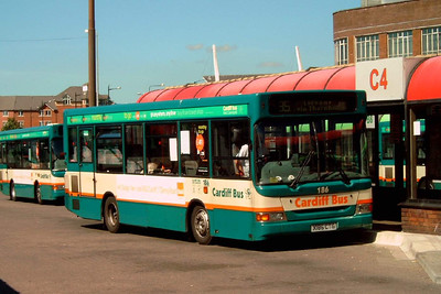 186 - X186CTG - Cardiff (bus station) - 1.8.07